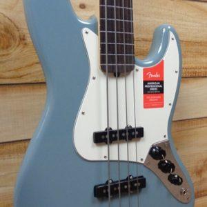 Fender® American Professional Jazz Bass® Fretless Rosewood Fingerboard Sonic Gray w/Case