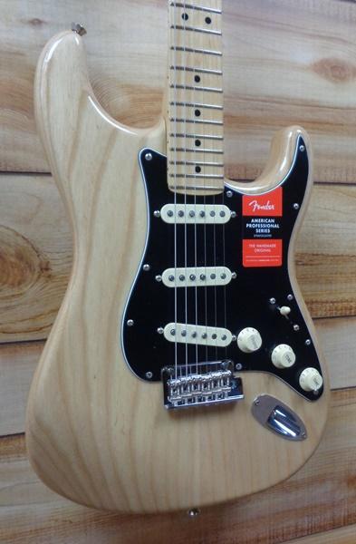 Fender® American Professional Stratocaster® Maple Fingerboard Natural Ash w/Case